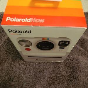Polaroid Now autofocus iType camera